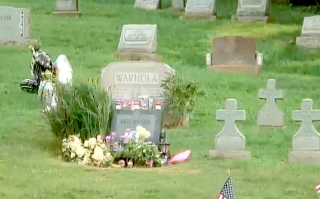 Still from the Andy Warhol gravesite web cam. Courtesy The Andy Warhol Museum, Pittsburgh.