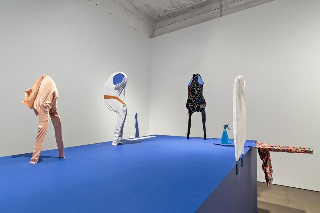 Karen Kraven, installation view of Flip Flop, Punch Front, 2015. Photo credit Toni Hafkenscheid.