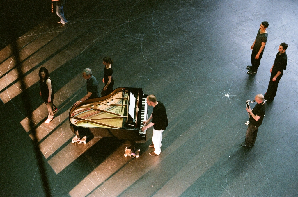 Anne Teresa De Keersmaeker: Vortex Temporum (1996). Performed by Rosas & Ictus at Royce Hall for UCLA CAP Score by Gérard Grisey